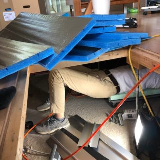 床下から工事を行いました